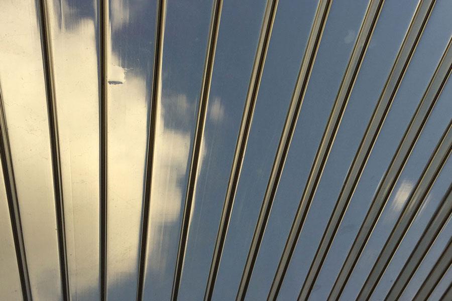 Bronzinė akrilo stogo danga